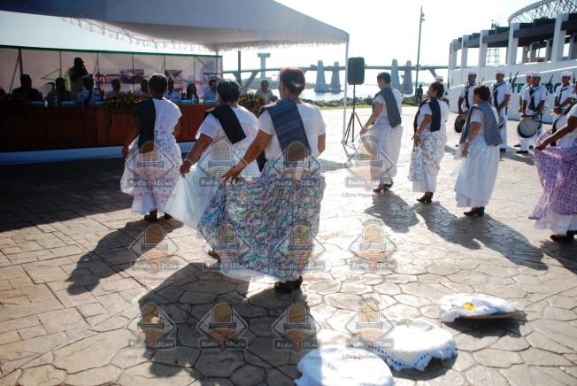 empanaderas abren fiestas del puerto