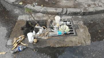 Residuos sólidos Urbanos tapan drenaje fluvial de la ciudad