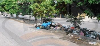 Acumulación sin límites en calles de ciudad portuaria